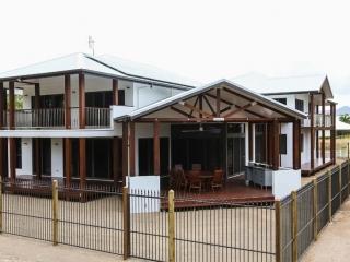 Townsville Building Designer, Home design, floor plans, tropical living.